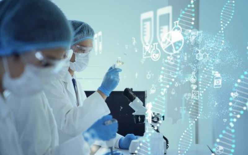 Pfizer-science-pruduct_pipeline-two_scientist_in_a_laboratory_with_digital_dna_graphics